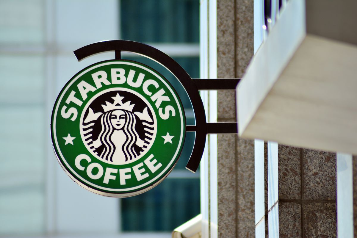 Letrero de Starbucks