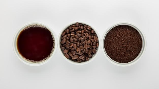 granos de café, café molido, café líquido