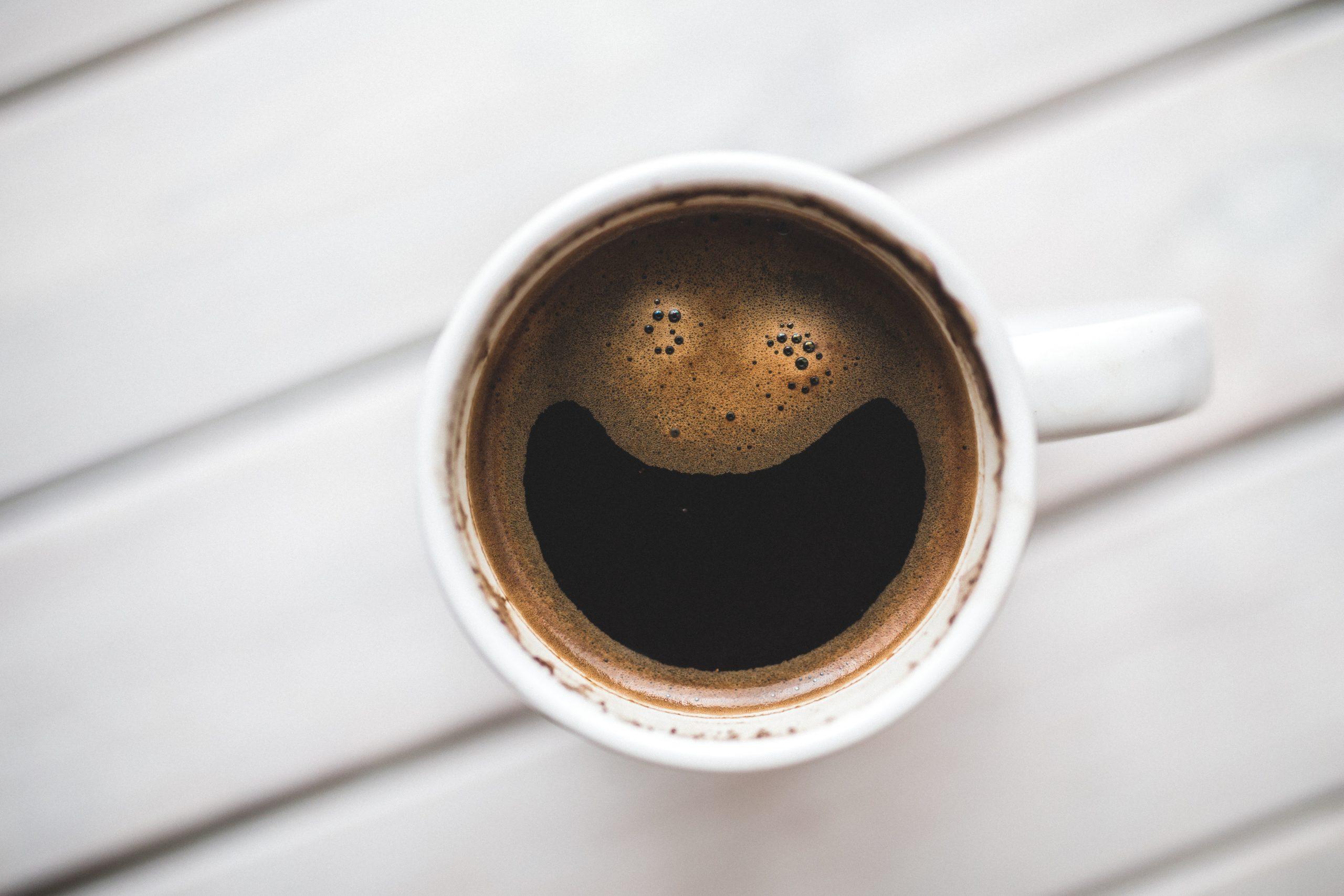 taza de café desde arriba