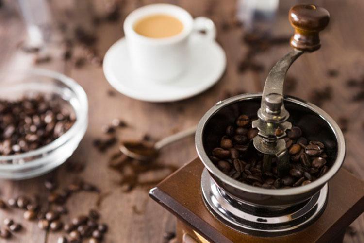 Por qué tener un Molinillo de Café - cafemalist