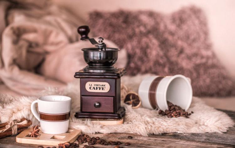 origen-e-hsotoria-del-molinillo-de-cafe-cafemalist