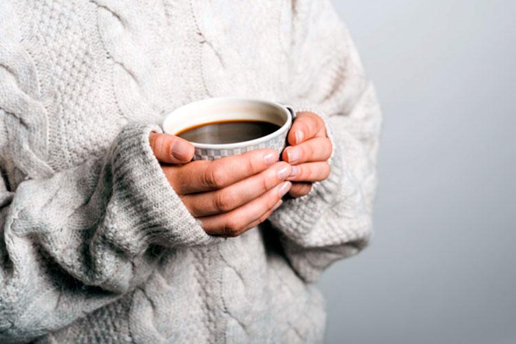 cuanta cafeina tiene una taza de cafe - cafemalist