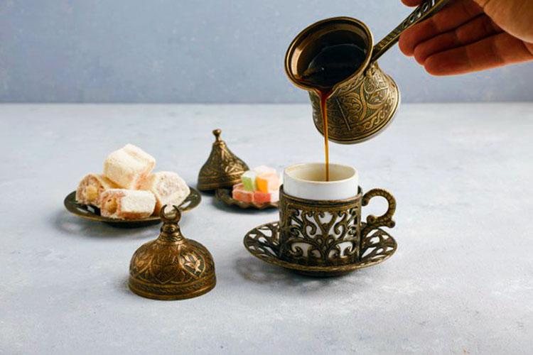 cafe-turco-cezve-delicias-turcas-tradicionales-cafemalis