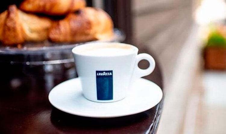 cafe-italiano-taza-lavazza-cafemalist-by-lavazzausa