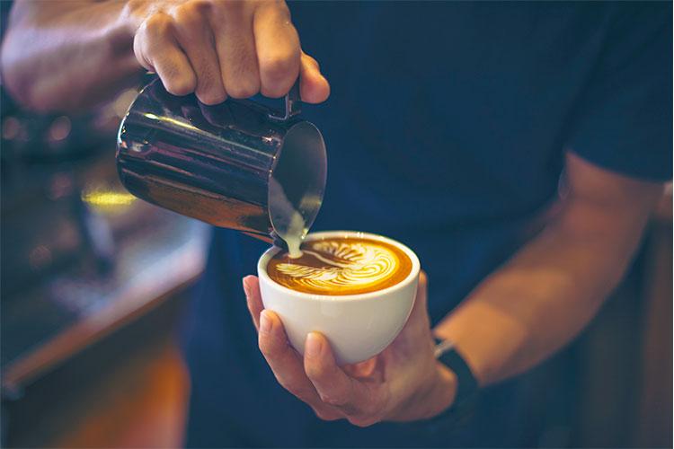 cafe-latte-barista-cafemalist