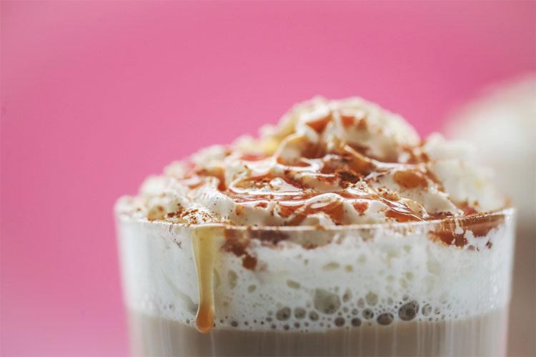 cafe-de-starbuck-frappuccino-racool-studio-cafemalist